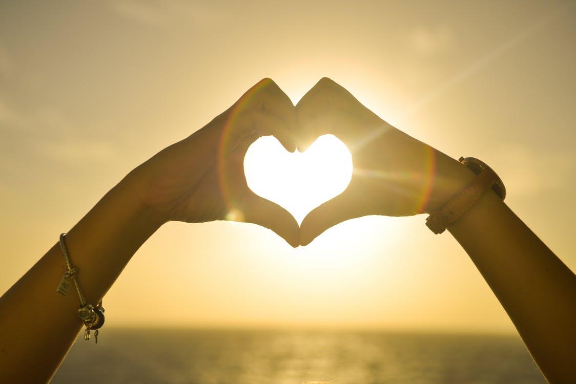 Amour, célibataire, complicité, partenaire de vie, âme sœur, cœur.